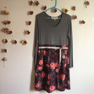 Long Sleeve Floral dress 🌸